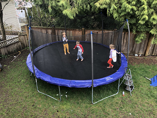 How to choose a trampoline