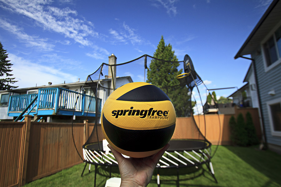 Springfree Trampoline Reviews with Basketball Hoop and Enclosure