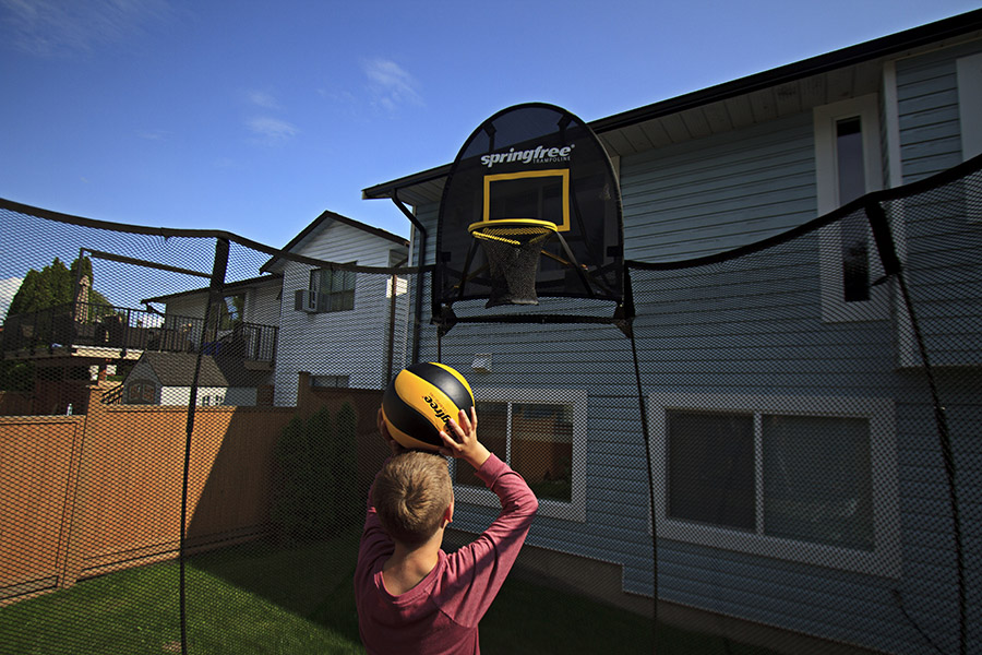 Springfree Trampoline with Basketball Hoop